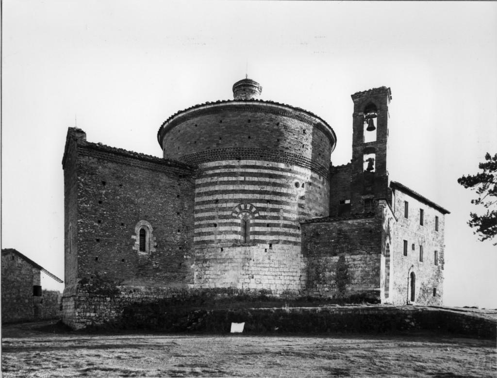 1. La chiesa rotonda di San Galgano a Montesiepi (Chiusdino) (1)