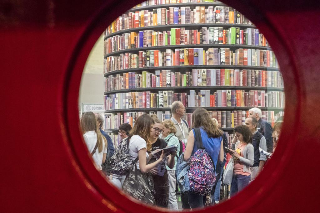 Torino 11 05 2018 Grossa affluenza di pubblico nel secondo giorno di apertura del Salone